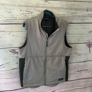 Cotopaxi two tone puffer vest
